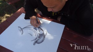 Steve Hikaiti drawing at Hum Salon